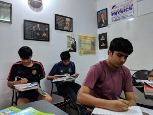 12th physics tuition in dwarka